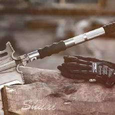 多功能户外工具铲暴力评测,开砖伐树断铁钉都没问题