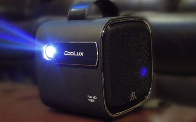 小巧便携性能强悍,带在身上的百吋巨幕影院 — 酷乐视 R4S家用投影仪评测   视频