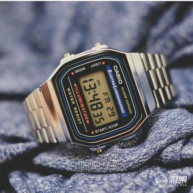 不到300块卡西欧电子表,复古耐操、续航持久,名人大佬挚爱