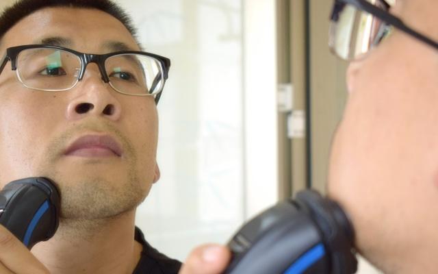 2分钟切剃的快活,飞利浦S1560/04电动剃须刀体验 | 视频