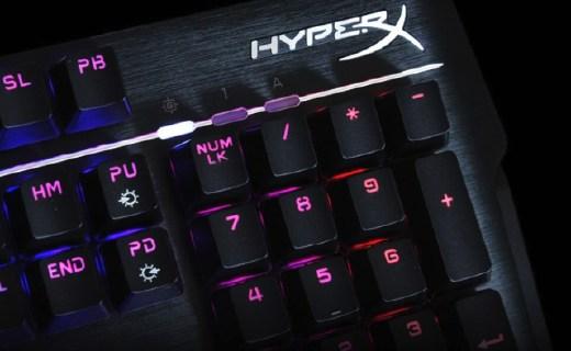 金士顿机械键盘:1600万背光炫酷,青轴材质游戏灵敏快速