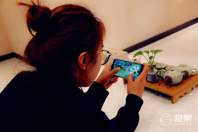 华为Nova 3e游戏视频体验,玩转青春无遗憾