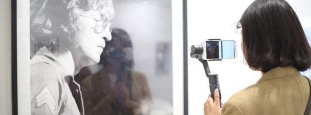三轴稳定易携带,旅游出行拍照大杀器 — 飞宇Vimble2 手机稳定器体验   视频