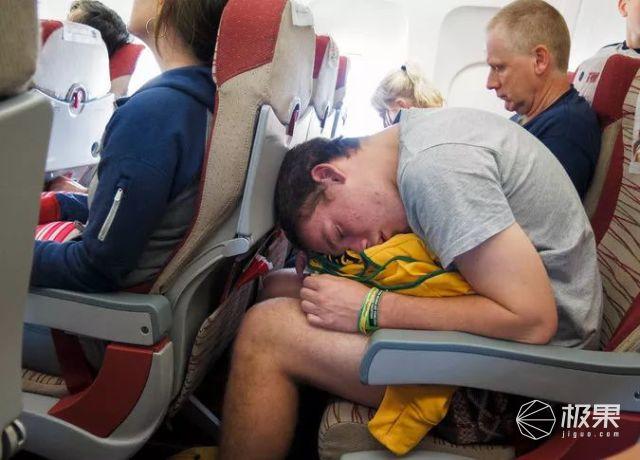 机票5块的廉价航空!全程谋财害命从没准时过,竟成了油腻青年寻欢圣地