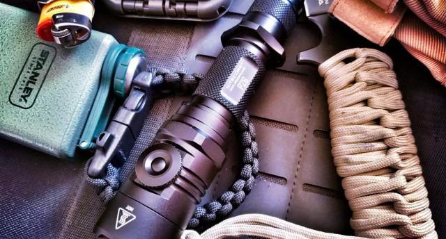 《生化危机 6》都在用的战术手电,防水耐造,户外防身照明标配