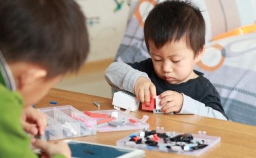 """199块的国产""""乐高"""",却能让孩子安静一整天 — 小米 米兔智能积木体验"""