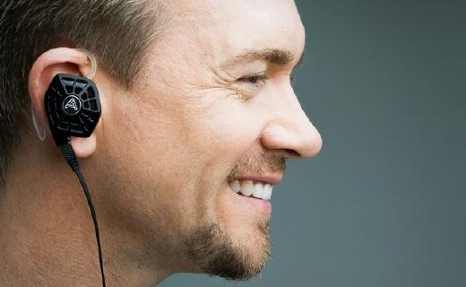 首款入耳平面振膜耳机,Lightning接口苹果专用