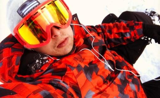 Mountain Warehouse沖鋒衣:保暖防水性能好,初級滑雪者囤貨