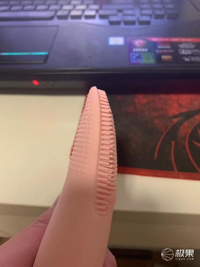 瑞士罗娅硅胶洁面仪