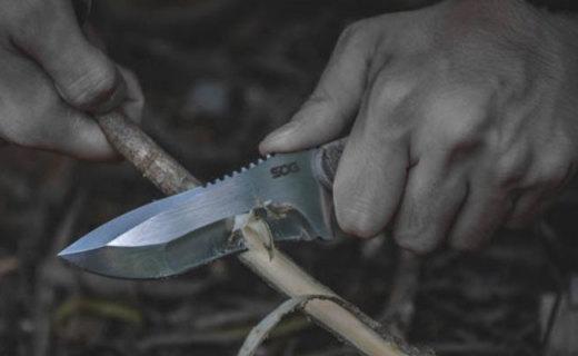 劈砍切削皆可以,轻轻松松入木三分,SOG松田菊男VG-10钢材KU-2021直刀