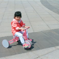 炫酷漂亮趣味多,柒小佰变形儿童车体验记
