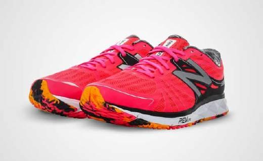 超轻缓震NB竞赛跑鞋,新增稳定片,跑马更轻松