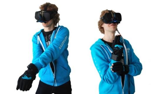 让游戏更逼真酷炫的VR手套:精确到毫米,支持所有VR设备!