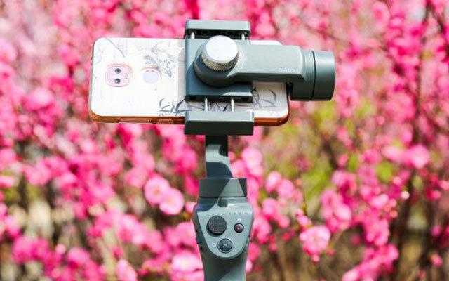 内置多种拍摄模式,让你用手机也能拍大片 —  大疆灵眸OSMO Mobile 2手机云台评测 | 视频