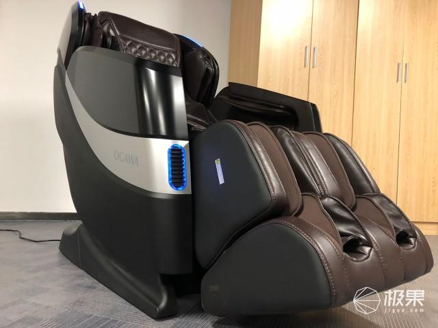"""不止是拯救酸痛的肩膀,让人灵魂尖叫的""""按摩师"""",奥佳华7608按摩椅测评"""