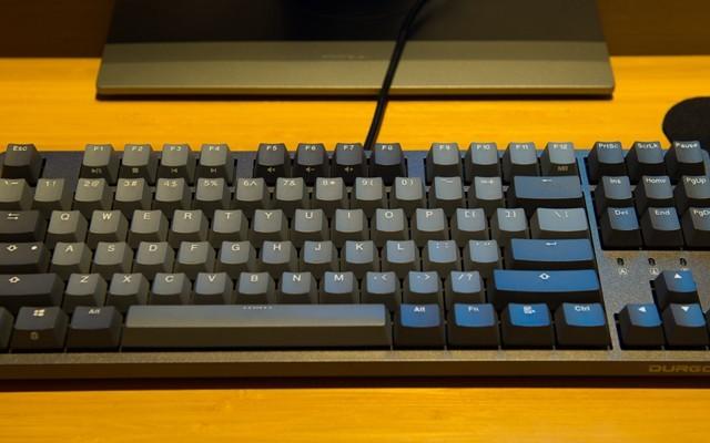 颜值爆表,可能是年度性价比最高的机械键盘 — Durgod Taurus K320机械键盘评测