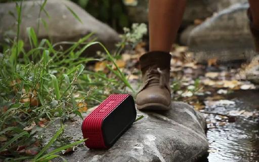 Divoom Outdoor音箱:户外专用防水防尘,音效响亮整个山谷