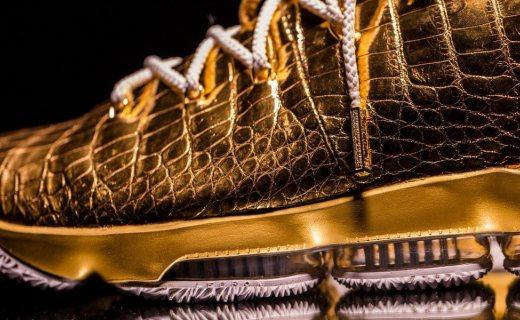 球鞋也能镀金?!10万刀的 Nike LeBron 15 客制款你见过没?