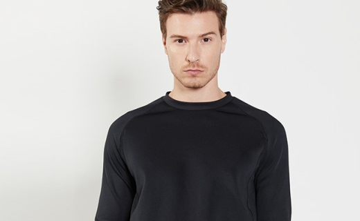 FALCON RISING运动套头衫:空气层材质透气速干,立体剪裁挺括有型
