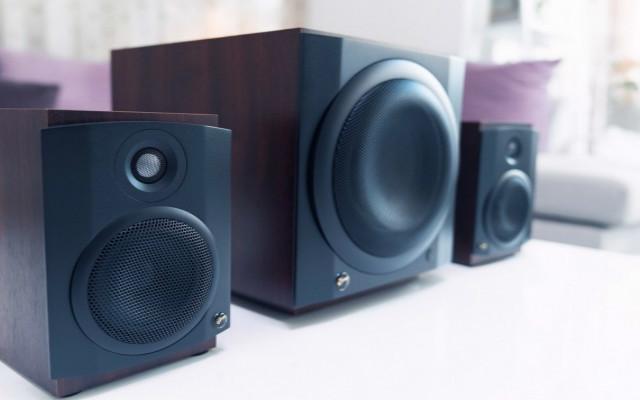 回归经典,时隔9年的升级,惠威M80W 2.1音箱试听评测