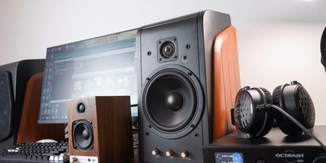 HiFi音质 澎湃功率,在客厅里就能来场演唱会 — 惠威 M300 大尺寸有源音箱
