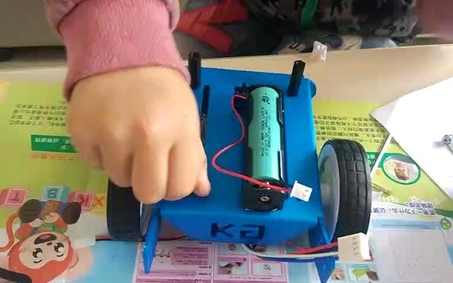 益智又好玩的儿童节礼物——小卡智能编程小车