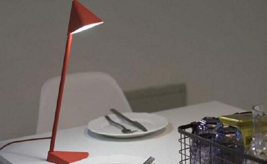 风格派创意台灯:可拆卸设计随意组装,感应式碰触开关