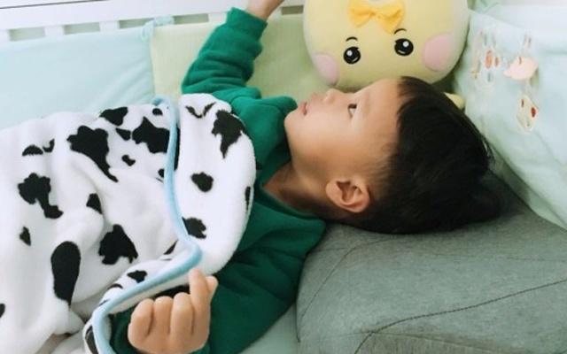 孩子的专属智能枕,有了它再不用讲睡前故事 — PILO mini 慢回弹智能儿童枕体验 | 视频