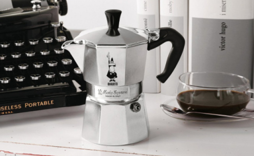 比乐蒂咖啡壶:一次可做9杯浓缩,八角造型与众不同