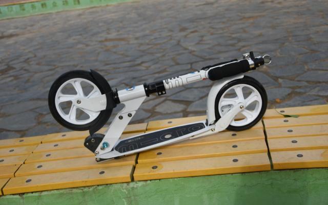 先行试玩外甥的礼物——micro 双轮滑板车