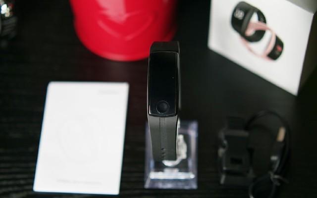 小米手环、咕咚手环、黑加手环你会选择哪个?