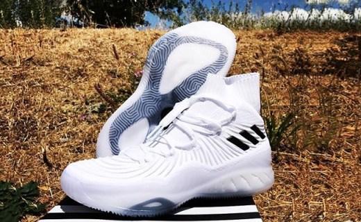 阿迪达斯Crazy Team篮球鞋:流线型颜值高,大号EVA缓震更出色