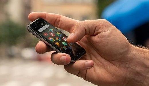 情怀复活!Palm 推出超小型 Android 备用机