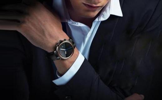 华硕ZenWatch3智能手表:快速充电很强悍,实用颜值高