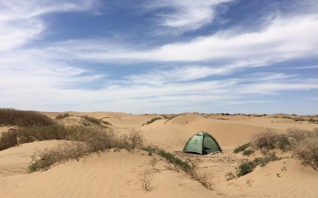 沙漠实测凯乐石帐篷:轻便易搭建,抗风能力强