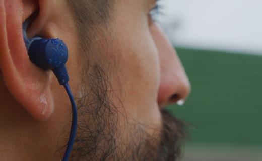 100美元的Jaybird防水颈挂无线耳机 Tarah 有哪些亮点?