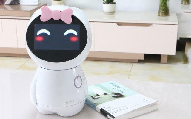 互动感应、语音交流, 互动乐橙育儿机器人视频测评