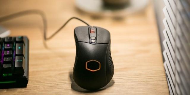 RGB自适应+可编程按键,一款专业的电竞鼠标 — 酷冷至尊 MM530 RGB 电竞鼠标开箱