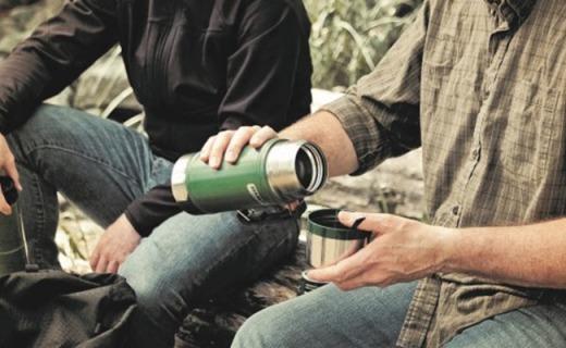 史丹利Classic Vacuum保温杯:500ml不锈钢杯身,长效保温12小时