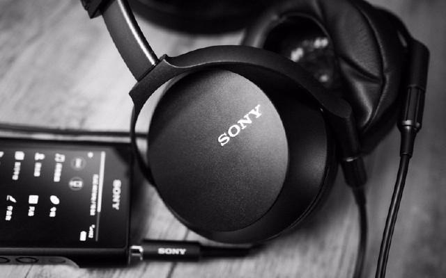 经典升级值不值得买,小聊索尼MDR-Z7M2耳机(基于黑砖)
