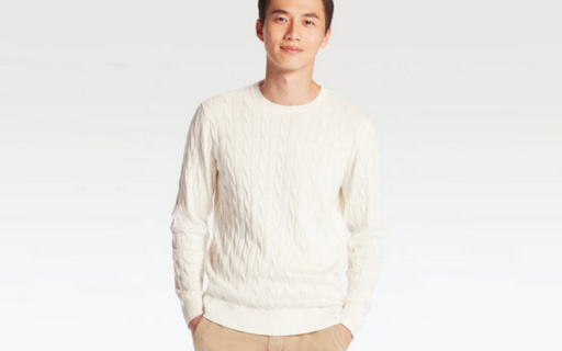 优衣库圆领针织衫:羊绒棉混纺防寒保暖,纽花编织百搭休闲