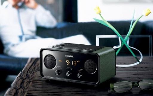 雅马哈TSX-B72便携音箱:小巧身材复古造型,音箱收音机二合一