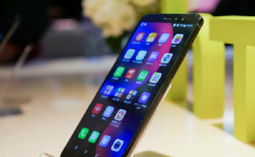 HTC发布U11 Eyes:人脸识别自拍秒杀旗舰