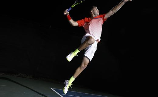 耐克AIR ZOOM ULTRA网球鞋:耐克最轻网球鞋,动态飞线舒适包裹