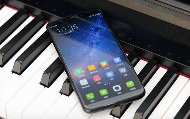 性能强劲+超长续航,千元全面屏中的游戏利器 — 360 N6 Pro手机上手体验 | 视频