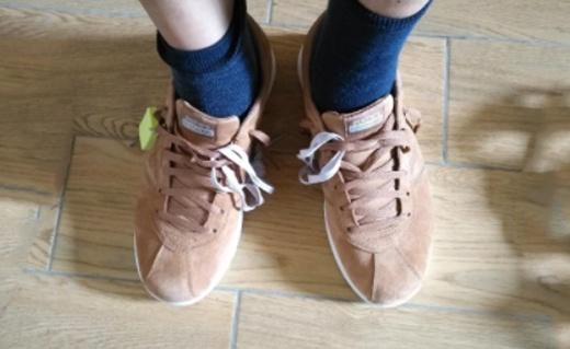 斯凯奇On The go休闲鞋:缓震鞋底和鞋垫,休闲鞋也有踩屎感