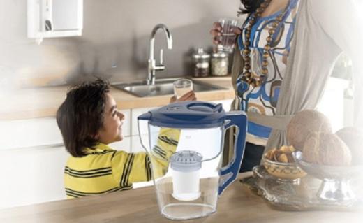飞利浦WP2807净水壶:一壶一芯大容量,全家喝上健康水