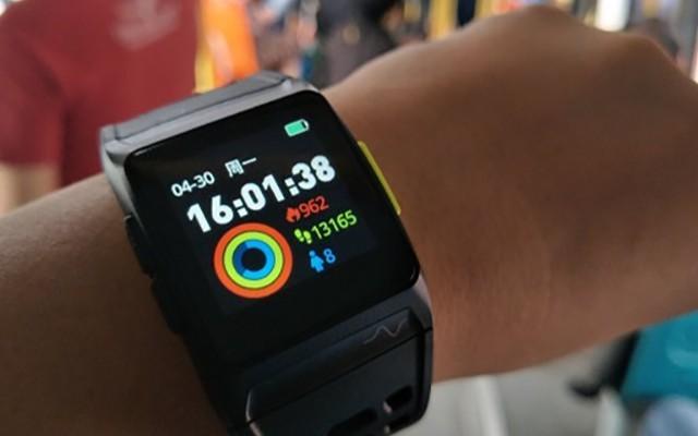 """功能直逼苹果的智能手表,售价却与""""价格屠夫""""站齐"""