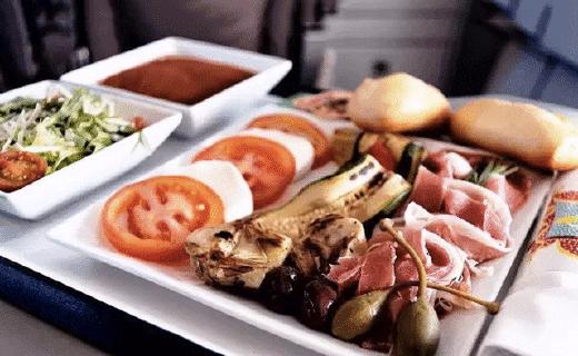 土豪环游世界吃遍飞机餐,告诉你哪家最好吃