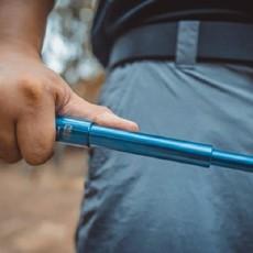 能装进骑行包内的甩棍——弘安保罗烧蓝全钢版锋芒陀螺甩棍使用感